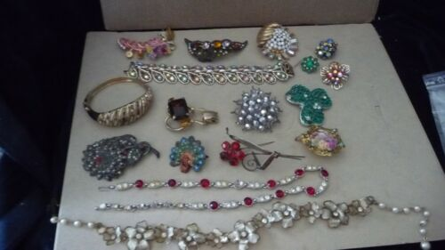 #1231X  vtg  Costume Jewelry MIX LOT  PARTS REPAIR CRAFTS ALL JEWELED AS IS