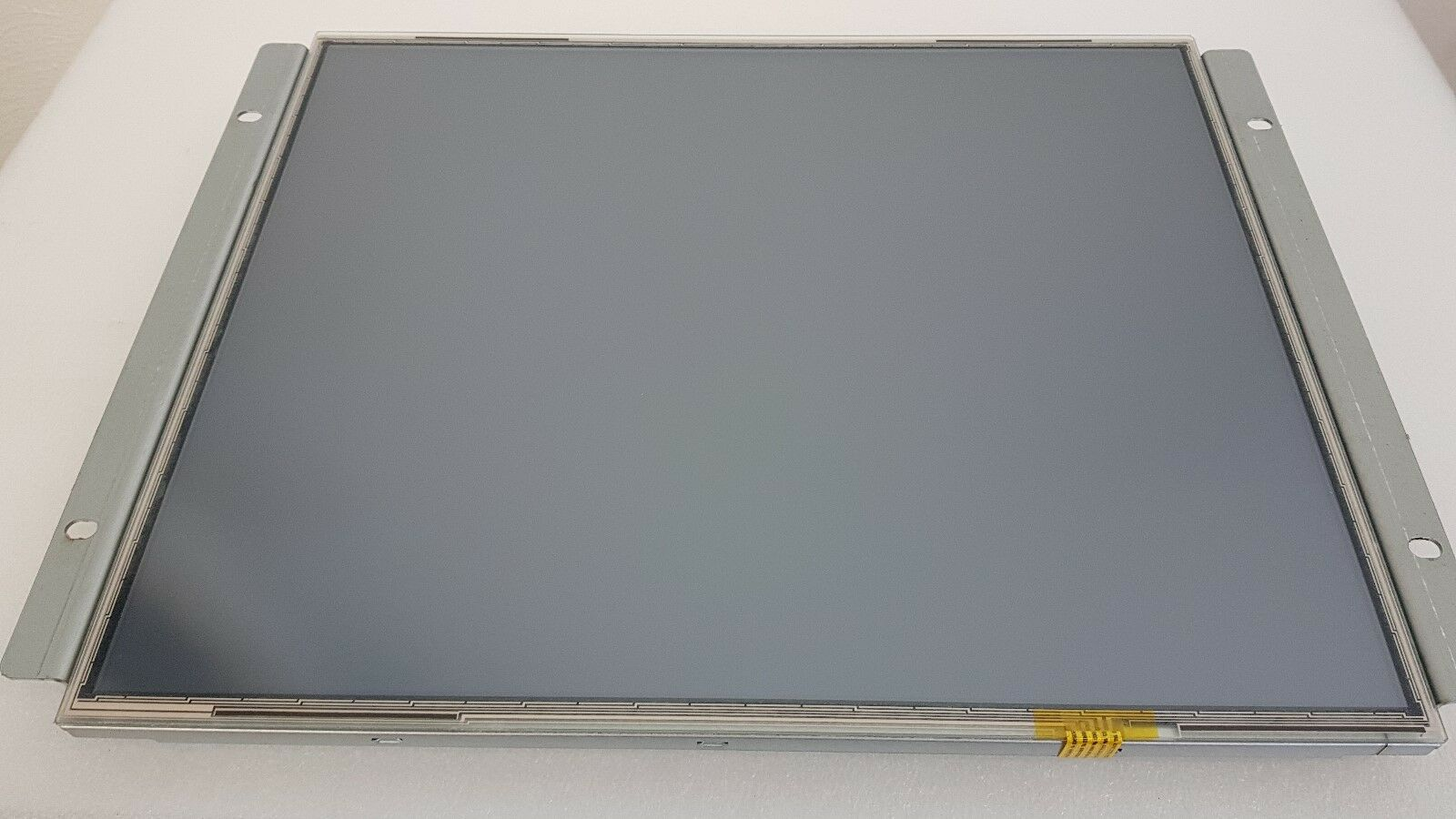 "19"" Einbau Touchscreen (resistiv) refurbished"