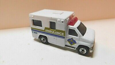 Matchbox  - 1/80  - Ambulance 3-1926 - Rescue Vehicle