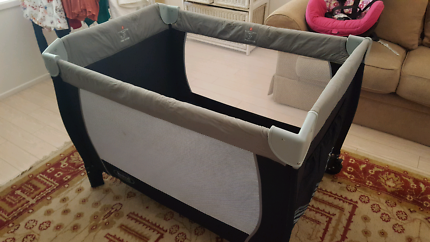 Travel Cot Steelcraft in excellent condition