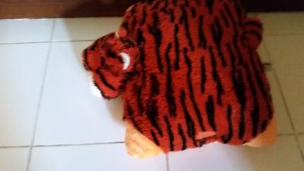 Tiger fluffy pillow