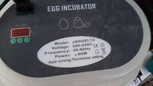 Egg incubatot, 2 Brooder hen incubator Cooloongup Rockingham Area Preview