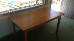 Dinning room table Speers Point Lake Macquarie Area Preview