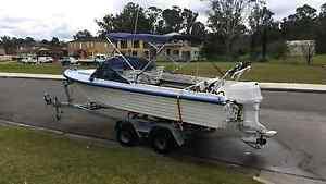 17ft Vickers Easy Rider Runabout Boat 90hp reg'd vgc ski fish!! Bligh Park Hawkesbury Area Preview