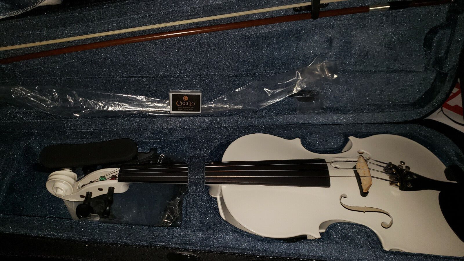 CECILIO SIZE 4/4 WHITE ACOUSTIC ELECTRIC VIOLIN WITH BOW, CASE, AND ACCESSORIES - $70.00