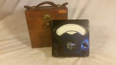 Welch Corp Voltmeter Dc Volt Meter With Original Wooden Vintage Dovetail Box