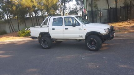 2001 toyota hilux 3.0L turbo diesel dual cab 4x4 Revesby Bankstown Area Preview