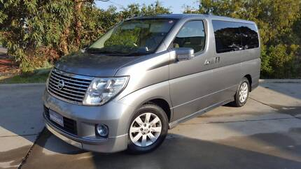 Nissan Elgrand Series 2 face-lift model, 83k kms! Hghly optioned!