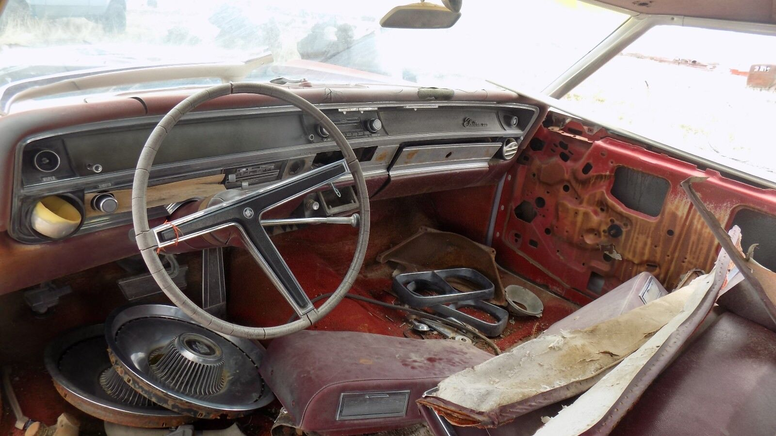 Used Buick Electra Mouldings And Trim For Sale 1961 Convertible 1967 225 2 Door Left Upper Hinge Dry Desert Western Part