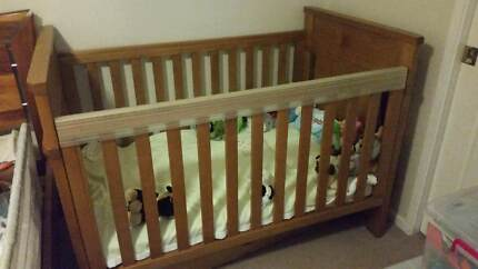 Boori Country Collection Cot With Storage Drawer
