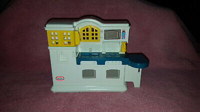 Little Tikes Place Dollhouse Country Kitchen Center Playset doll size