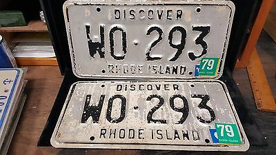 1 set/Pair of RI License Plates #WO-293 VIN/EXP Vintage 1979