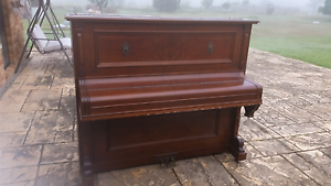 Free Victor Piano Fullerton Cove Port Stephens Area Preview