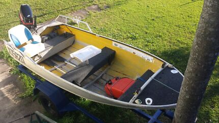 12.5 savage snipe new trailer and 05. 15 hp 2 stroke mercury  Crestmead Logan Area Preview