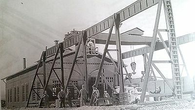 3102 Walthers Cornerstone Overhead Traveling Crane HO Scale Kit