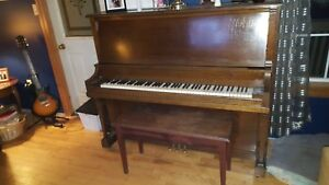 Willis&Co upright piano