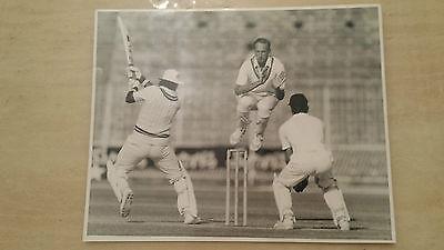 Press Photograph: BILL ATHEY - ENGLAND TOUR OF PAKISTAN, @ LAHORE, DECEMBER 1987