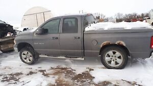 O5 dodge 1500 4x4 for parts