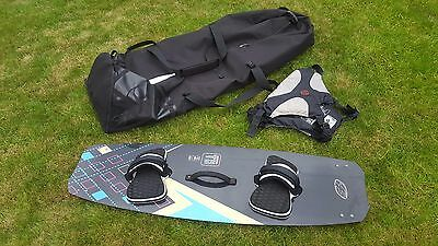 Complete Kitesurfing package Kite surfing board harness bag line pump bar