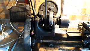 Globe 3.5.8 metal lathe Tuncurry Great Lakes Area Preview