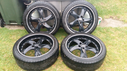 """Toyota Hilux SR 2wd 20"""" Menzari Alloy Wheels and Tyres"""
