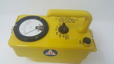 Great Gamma Radiation Detector Victoreen Cdv-717 Geiger Counter Cold War Prop