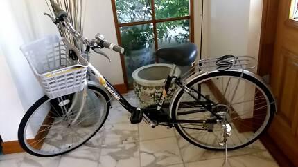 Womens bike Asama with basket