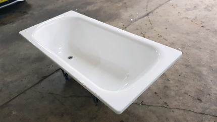 Good condition 2nd hand bath tub, perfect condition. Taking offer