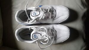 Man's Nike Air size 10 white running shoes  just like new