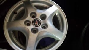 Mags 15 inch Alloy 5×115 bolts pattern no cracks no bends.