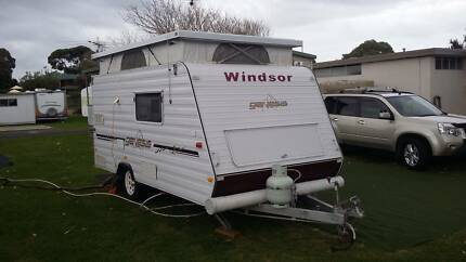 2007 Windsor Genesis caravan pop top rear door