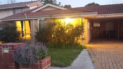 Walk to station, 5km to city, renovated and furnised