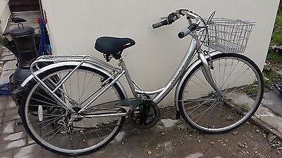 Mayfair Ladies Classic Trekking  Bike with basket