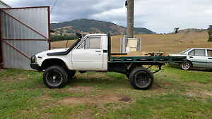 Hilux 4x4 manual Tallangatta Towong Area Preview