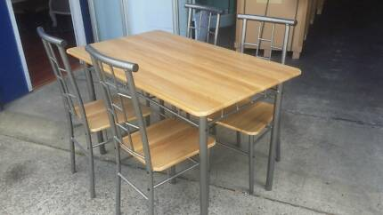 BRAND NEW 5 PEICE DINING SET - TABLE AND 4 CHAIRS Chipping Norton Liverpool Area Preview