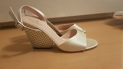 KATE SPADE off white SHOES SIZE 6