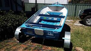 12ft aluminium boat Raymond Terrace Port Stephens Area Preview
