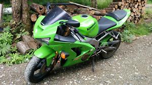 Ninja zx6 RR 2003 super propre 29000km 3000$