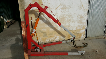 Engine crane. $500