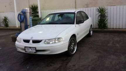 VT 9C1 COMMODORE WITH 10 MONTHS REGO!!! LOTS MORE!! LOOK!!* Epping Whittlesea Area Preview