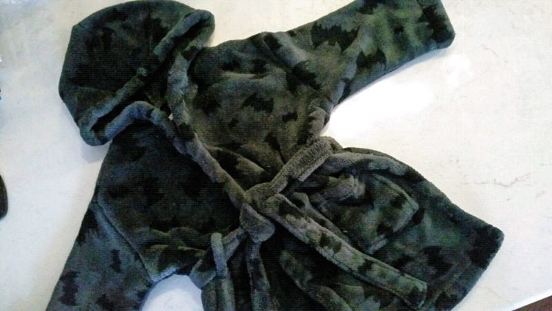 Boys Batman Dressing Gown - Size 2 to 3 ☆ Great Condition ☆ | Kids ...
