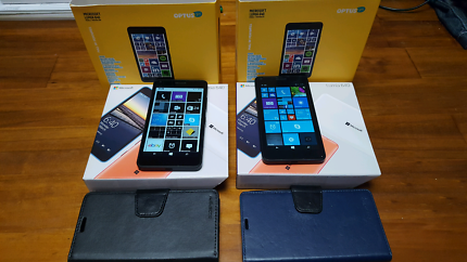 2x Microsoft Lumia phones