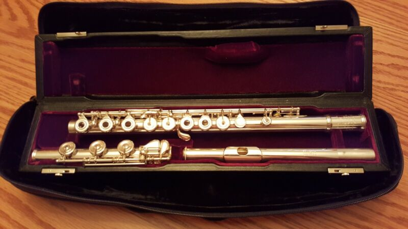 Haynes Custom Handmade Flute Nearly New and Perfect!