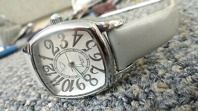 "Activa ladies  fashion watch 8"" very sharp and clean new battery 30M water"