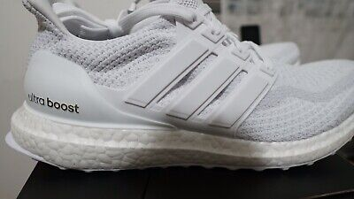 Adidas Ultra Boost 2.0 Triple White AQ5929 Size 9 (FAST SHIPPING)