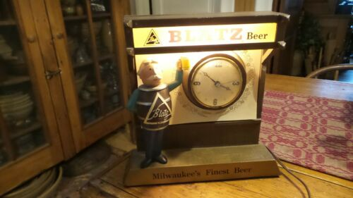 Vintage Advertising BLATZ BEER CLOCK LIGHT Bla SIGNtz Beer Man
