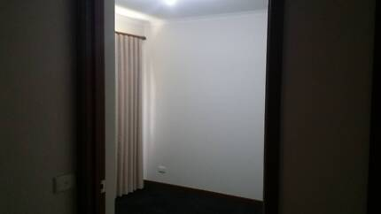 one room for rent.  for a girl Strathdale Bendigo City Preview