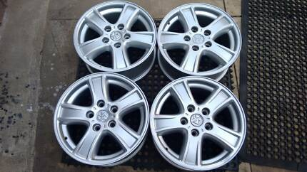 COMMODORE 16X7 FACTORY ALLOYS. VERY TIDY. SUIT ALL VB-VZ Edwardstown Marion Area Preview