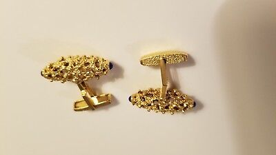 - 18 kt gold cufflinks with cabachon lapis - stunning
