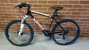 Mens mountain bike (almost new) New Farm Brisbane North East Preview